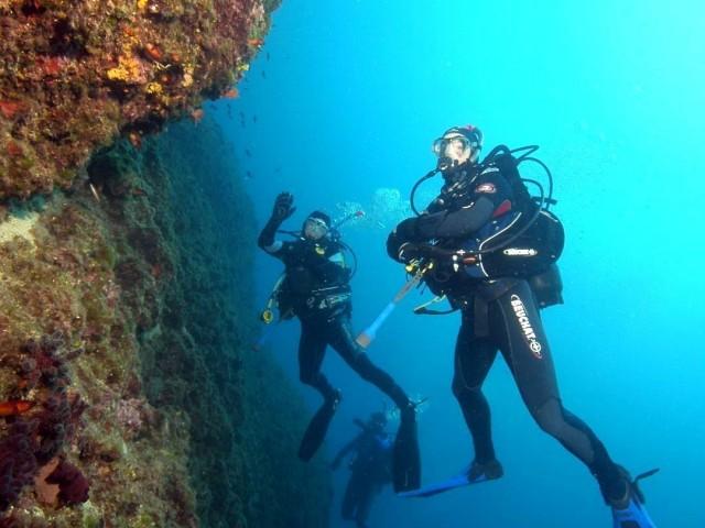 Steilwand Deep Diving - Schwimmen Tauchen Tirol