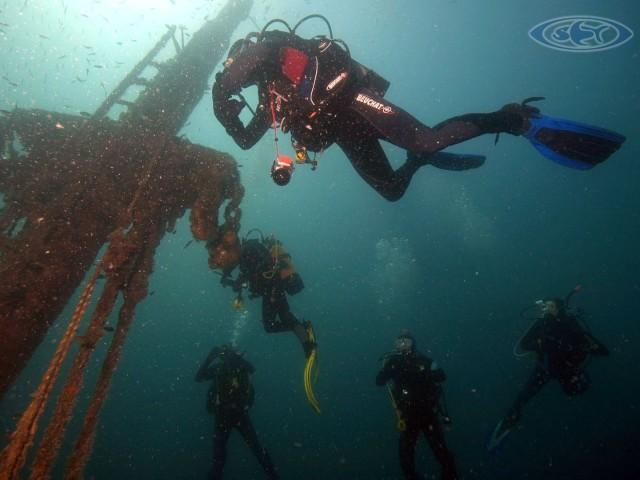 Wrack Deep Diving - Schwimmen Tauchen Tirol