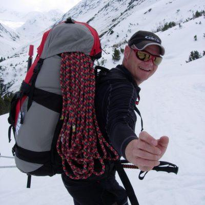 Bergsteigen im Schnee - Schwimmen Tauchen Tirol