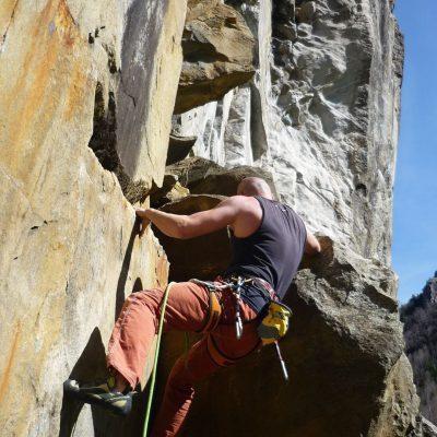 Klettern an der glatten Wand - Schwimmen Tauchen Tirol